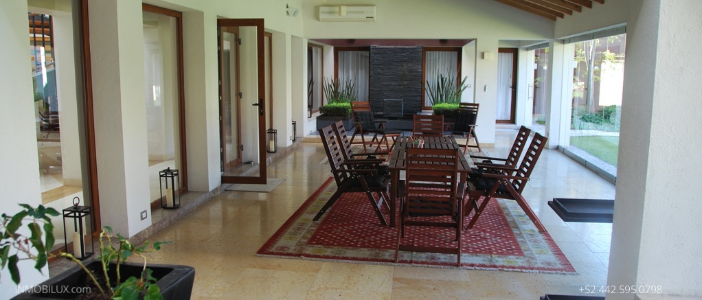 Luxury-Dining-Table-Houses-Queretaro