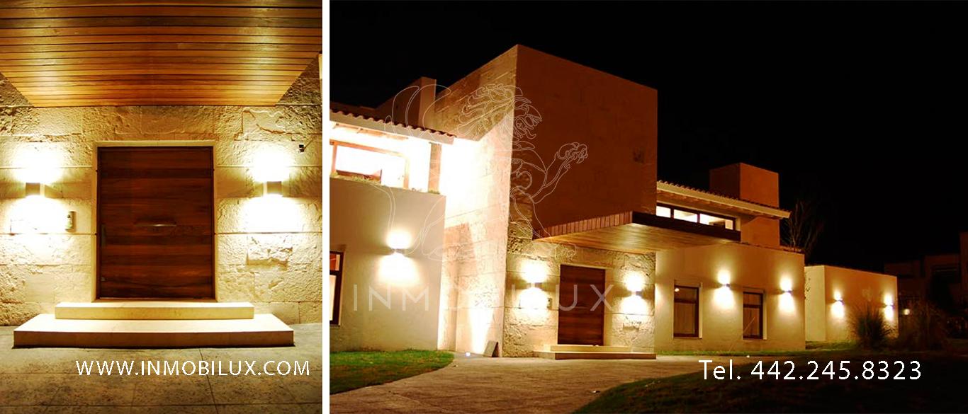 fachada casa en club de golf El Campanario
