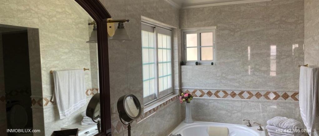 Baño Casa Estilo Ingles Pedregal de Queretaro
