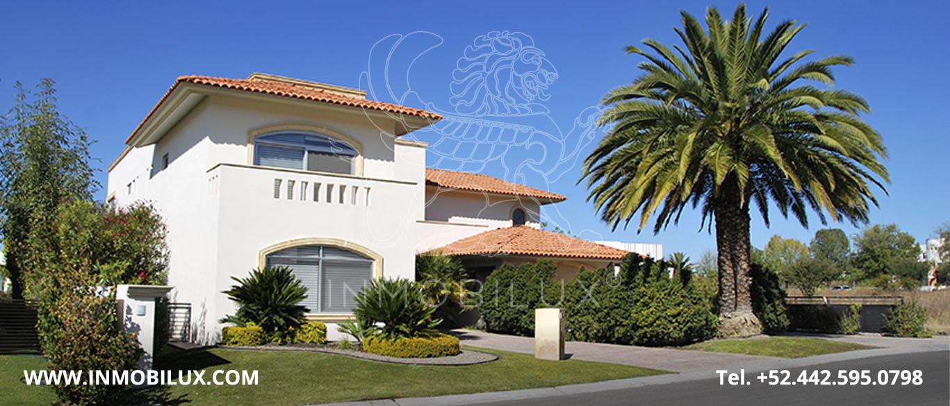 Vista Lateral Residencia en el Campanario