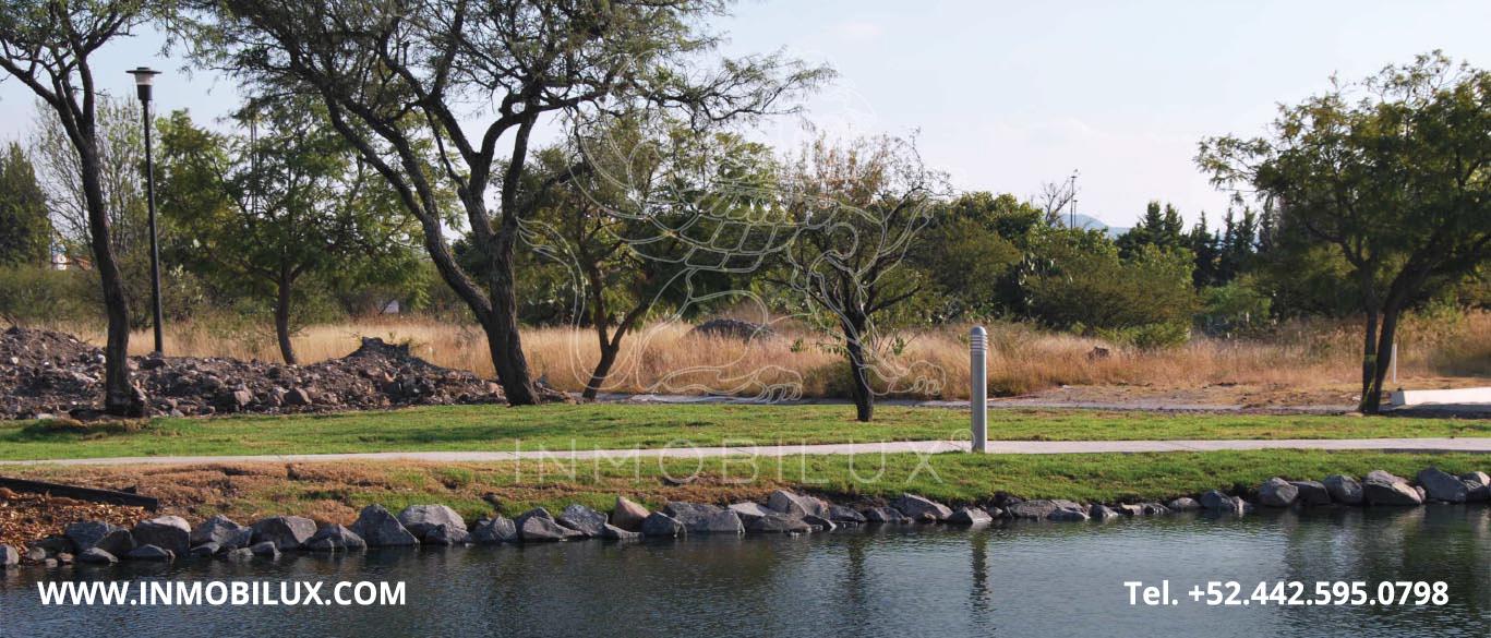 vista al lago desde terreno en el Campanario Querétaro
