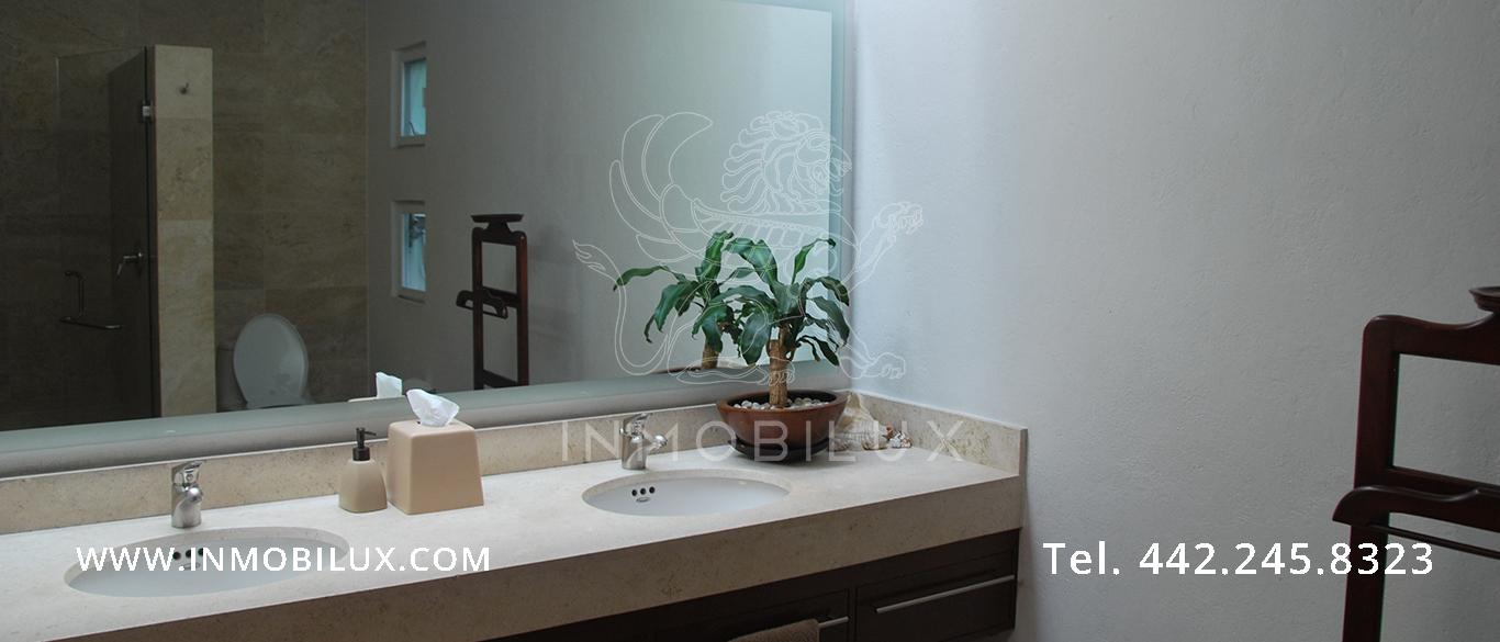 baño casa en Colinas del Parque Querétaro